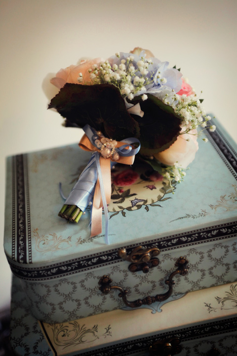 Bouquet with ribbon and gem detail