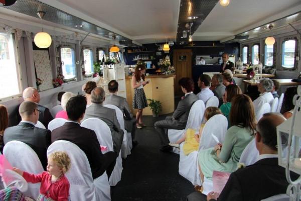 Real Irish Wedding The Belfast Barge, Lanyon Quay 6