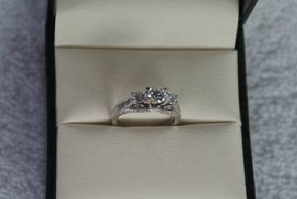 Man sells wedding ring worn by 'satan'