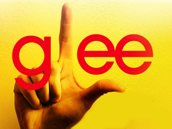 Glee stars confirm engagement