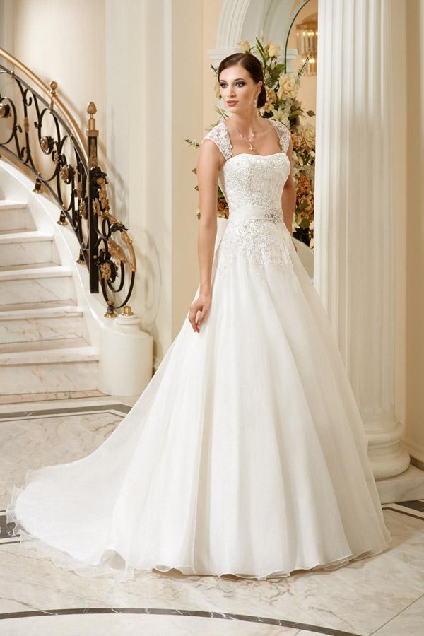 Second hand wedding dresses online ireland discount for Cheap second wedding dresses
