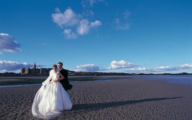 Irish Wedding Venue: Slieve Donard Resort and Spa