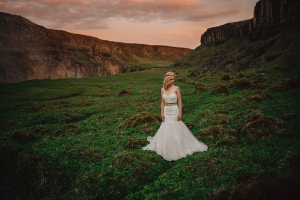 Dramatic wedding in Iceland goes viral
