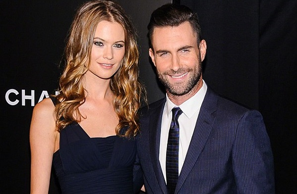Adam Levine marries Victoria's Secret model