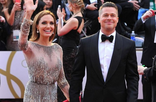 BREAKING NEWS! Brad and Angelina are married