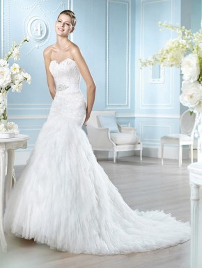 Wet Edmonton Mall Wedding Dresses 15