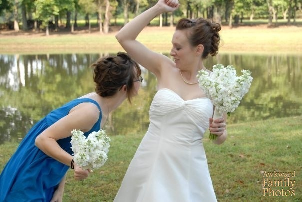 10 hilarious awkward bridesmaid pictures you really need to see