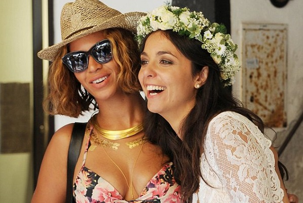 Beyonce and Jay Z crash a wedding