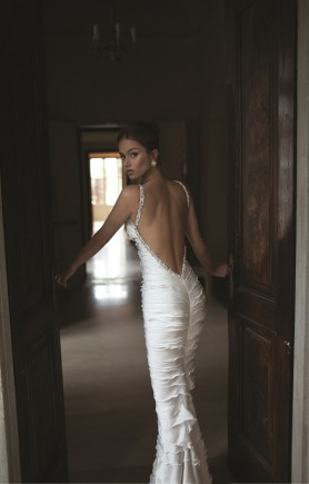daring wedding dress 3
