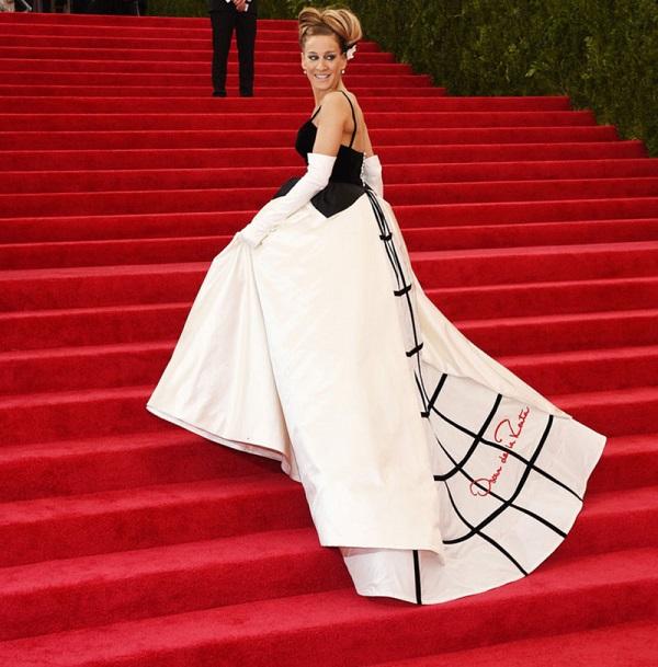 Celebrity Oscar De La Renta Wedding Dresses 8