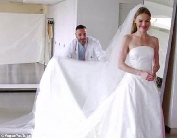 Celebrity Oscar De La Renta Wedding Dresses 2