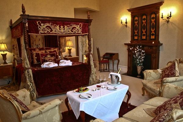 Kilronan Castle Winter Weddings bedroom