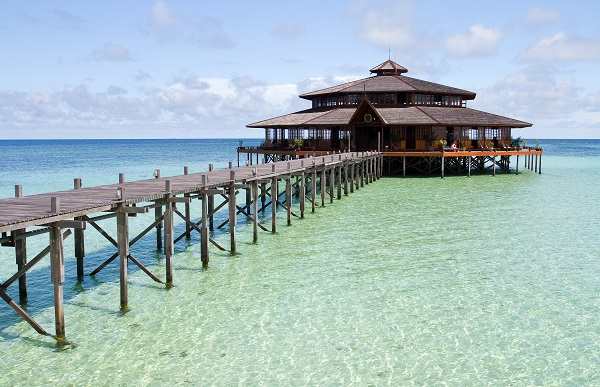 Top tips for a hassle free honeymoon