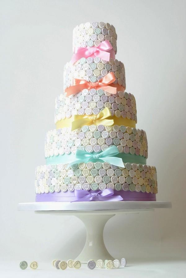Wedding cake trends love heart wedding cake