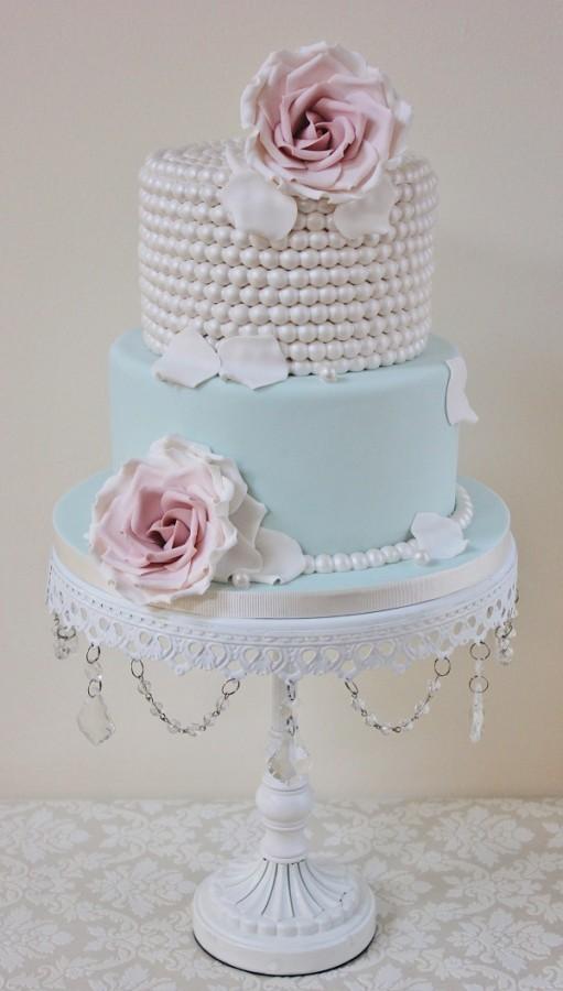 Wedding cake trends vintage beaded cake
