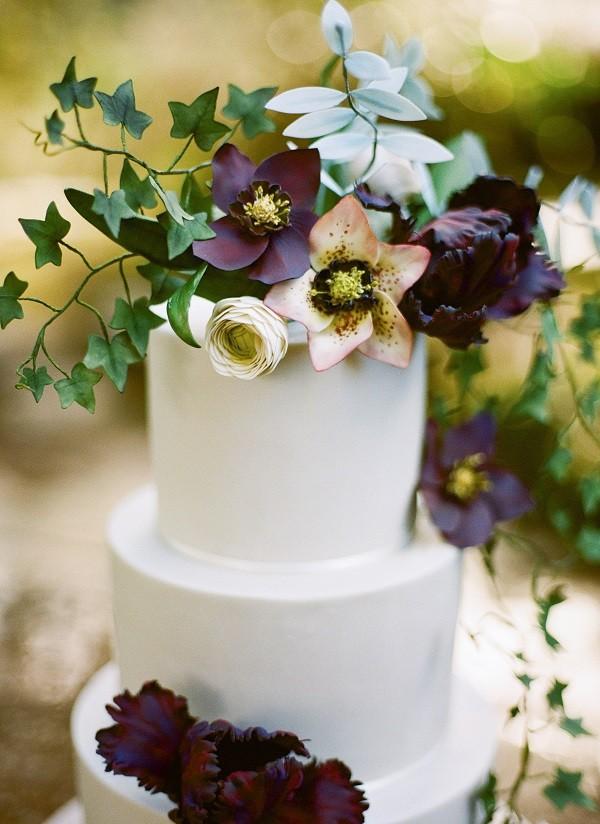 Wedding cake trends floral wedding cake