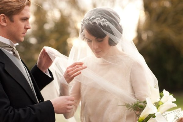 How to have your own Downton Abbey wedding