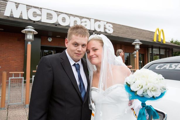 Gift Ideas For Mc At Weddings: This Couple Are Planning A Burger King Wedding
