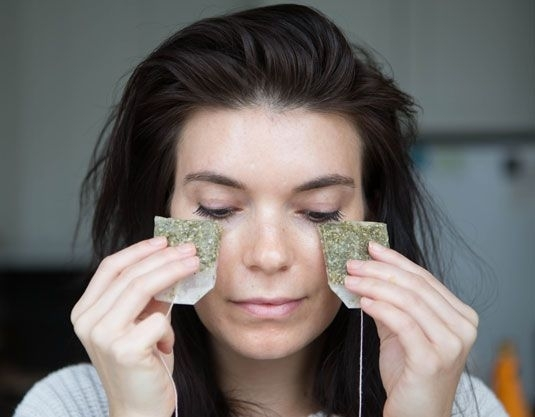natural home-made beauty green tea eye mask