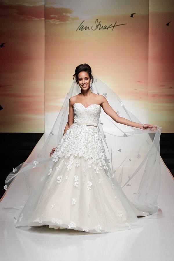 2016 wedding dress trends 6