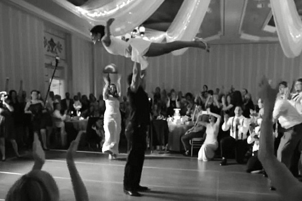 To choreograph or not to choreograph? Top 5 first dance clips!