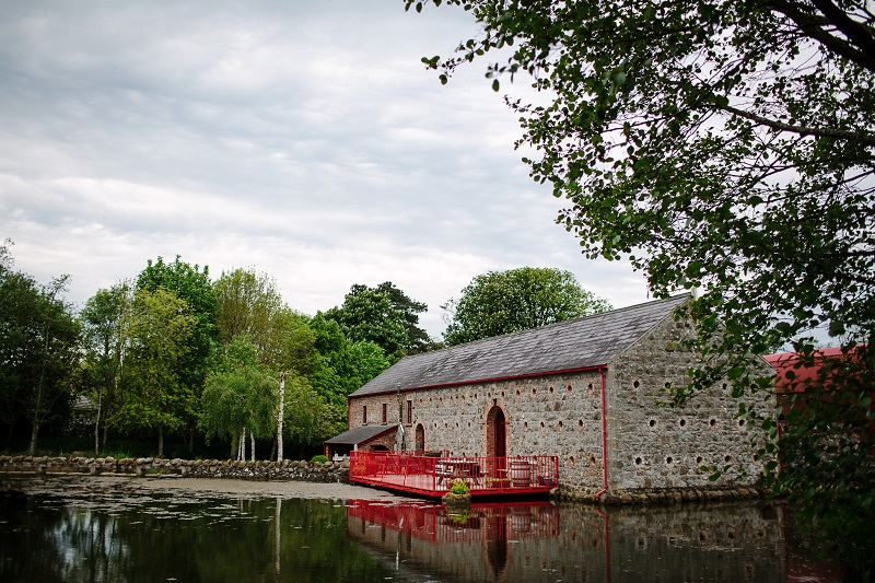 Real Irish Wedding Amy & Jim, Riverdale Barn (8)