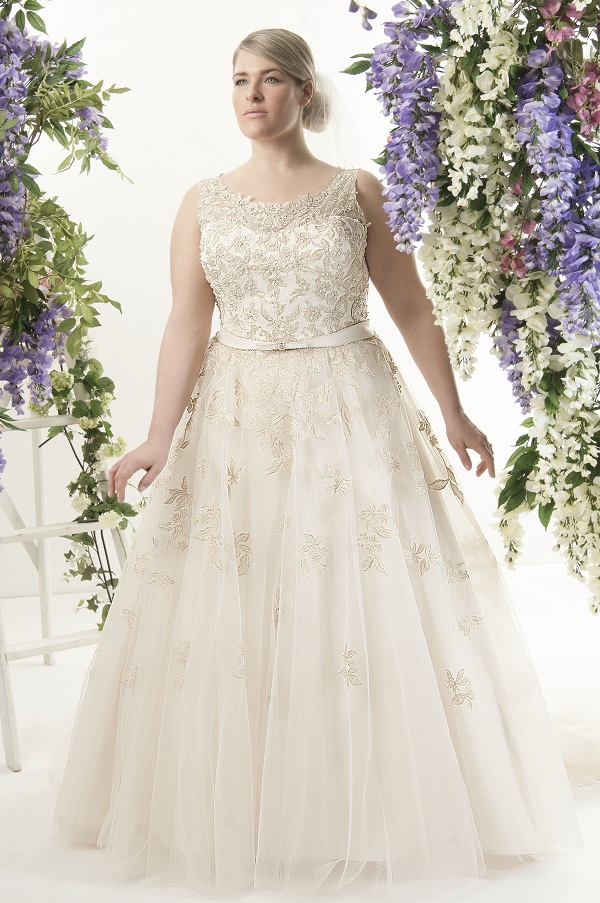 Wedding Gowns For Short Curvy Brides : By veromia julietta mori lee dress from callista women venus
