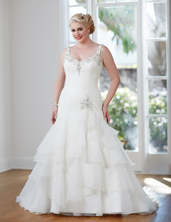 The best wedding dress styles for the curvy bride for Wedding dresses for larger figures