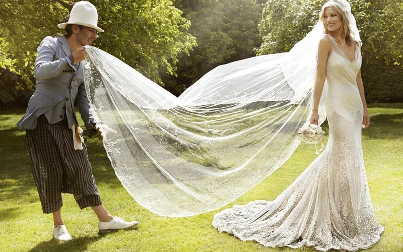 Кэти Перри стала новым лицом модной марки H&M. 17 самых необычных свадебных платьев знаменитостей