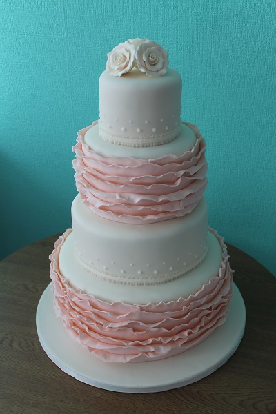 Wedding cakes - nine trends you need to know about