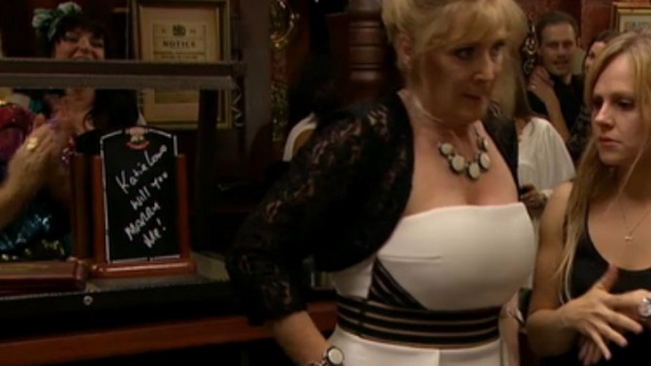 Did you spot the live proposal on Coronation Street last night?