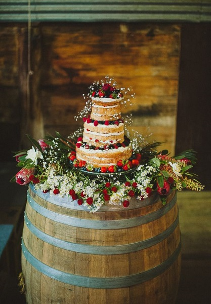 12 Inspirational Wedding Cake Display Ideas