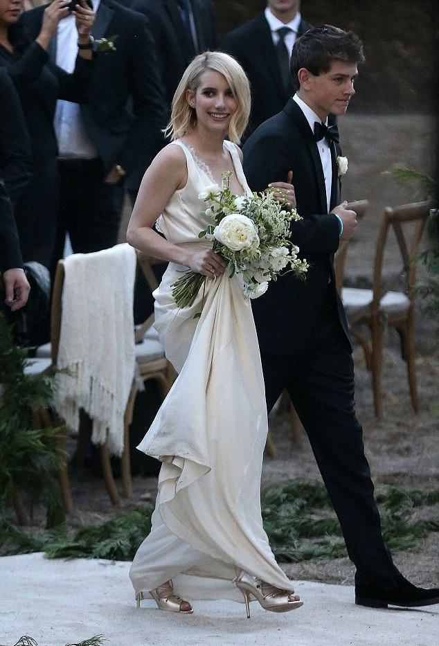 emma roberts bridesmaid