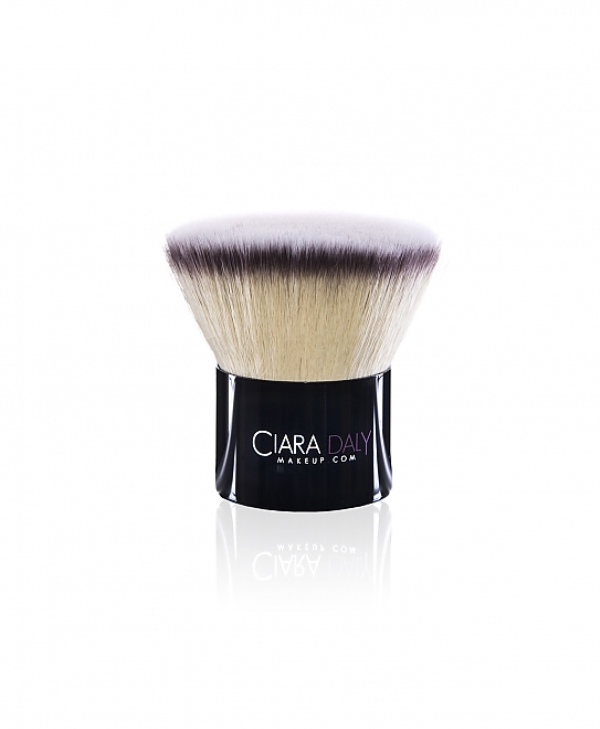 Ciara's first and most famous brush- the Hero Brush.