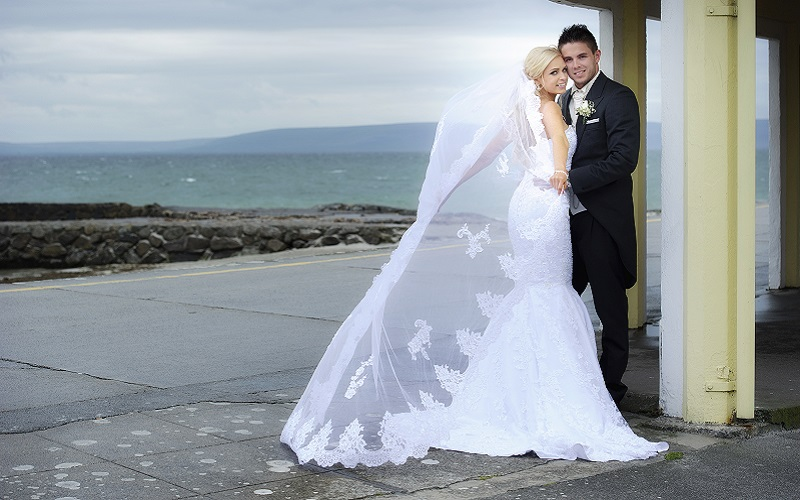 Real Weddings Galway: Gráinne Larkin & Robert Coloe