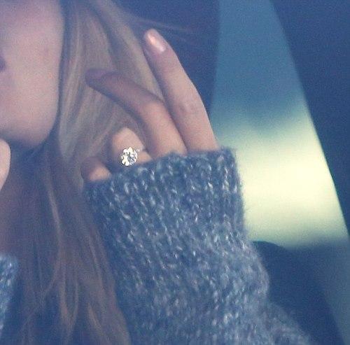 rosie huntington-whiteley engagement