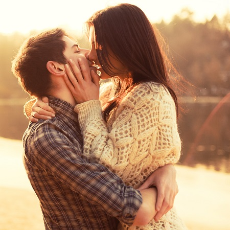 """The average person says, """"I love you"""" after how long…"""