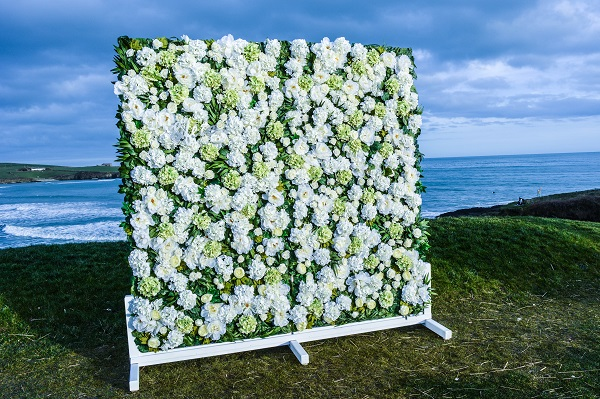 feature wall for weddings 2