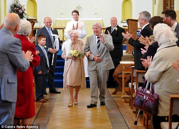 A 90-year-old groom marries his 96-year-old sweetheart