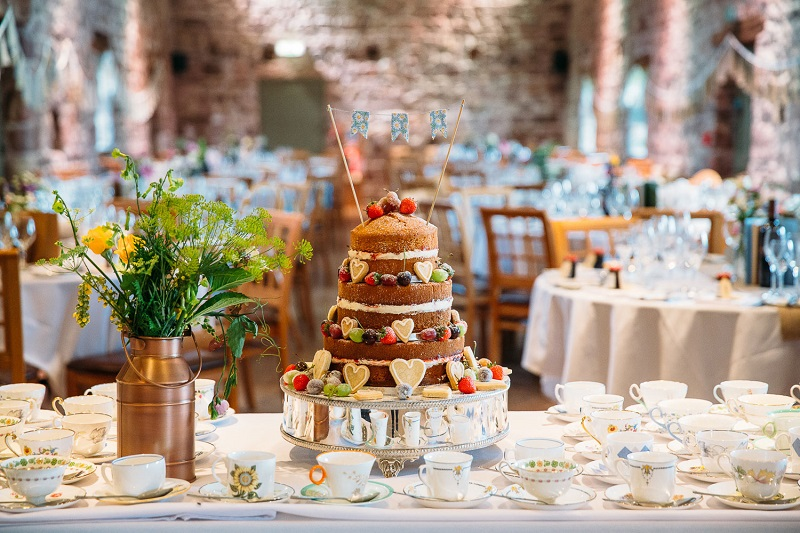 barn wedding naked cake