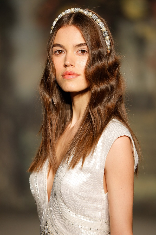 wedding hair trends - alice band