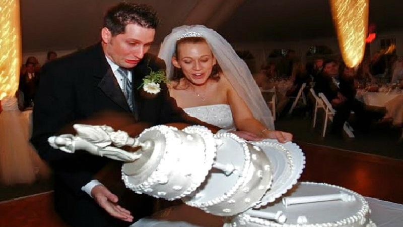wedding day fails - cake