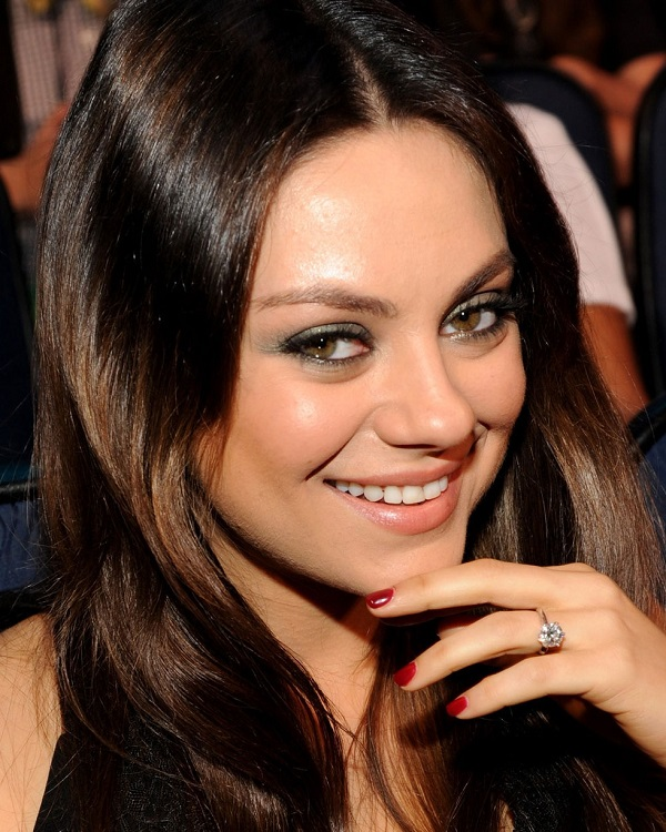 Mila Kunis wedding ring