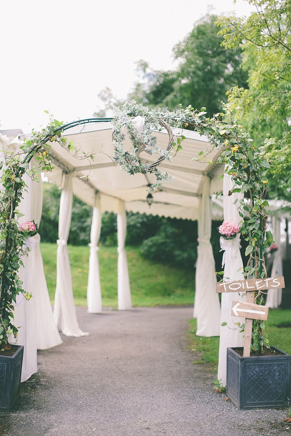 outdoor wedding styling advice