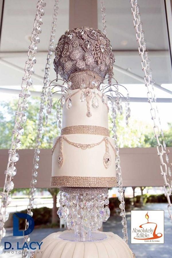 This Chandelier Wedding Cake Is Outstanding Wedding Journal
