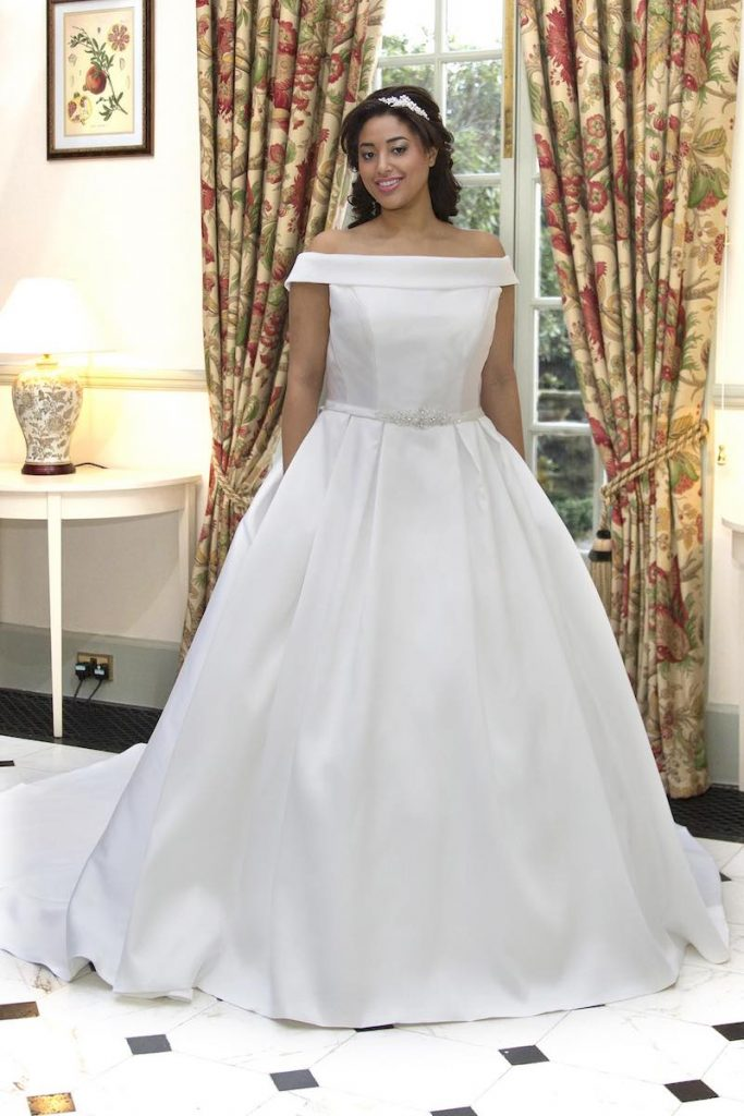 Curvy Bride Wedding Dress Style