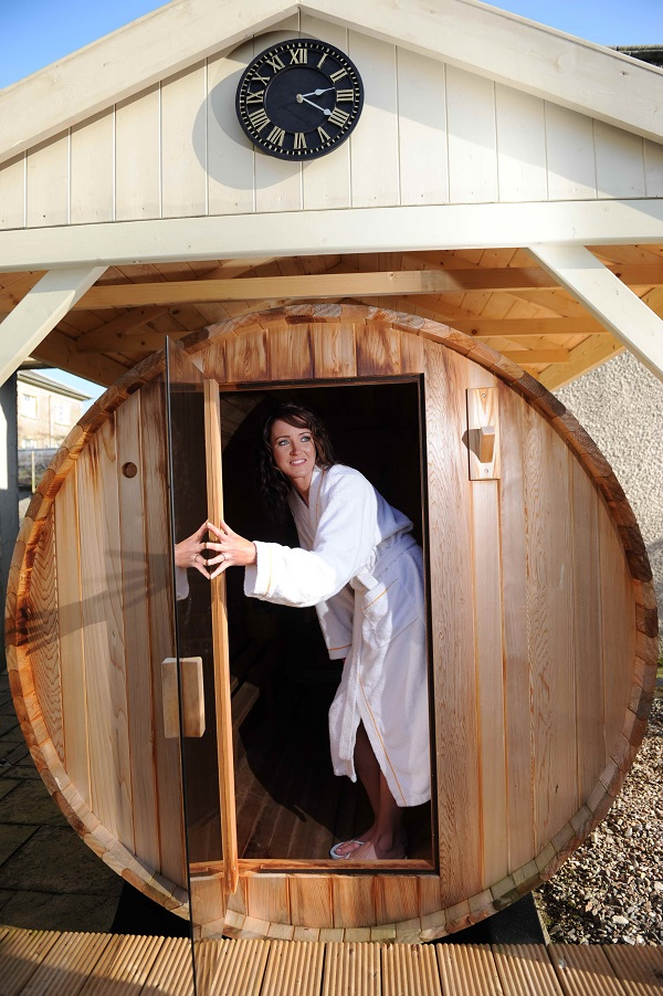 cedar wood barrel sauna