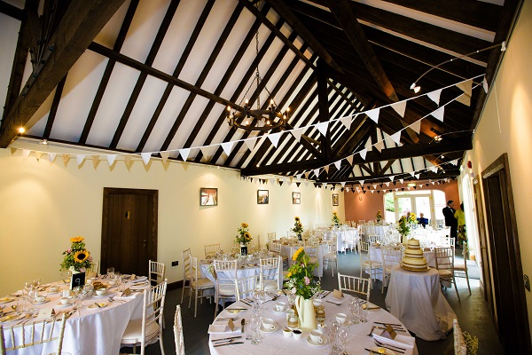 6 Top Irish Barn Wedding Venues