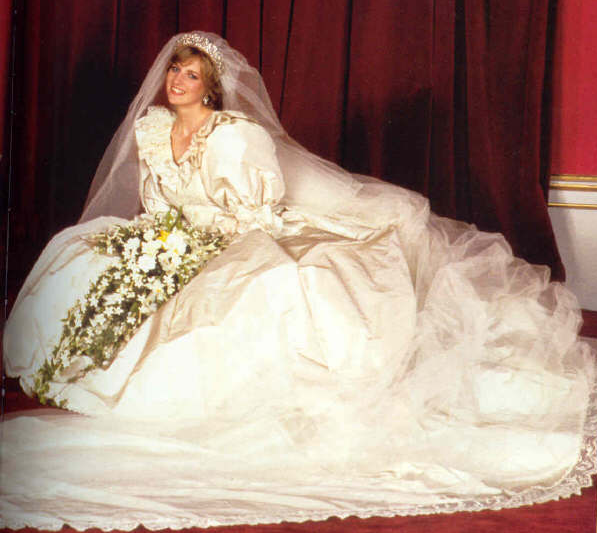 Top 10 Worst Celebrity Wedding Dresses Ever! | Wedding Journal Online