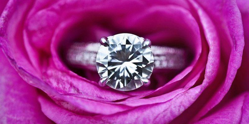 flower-engagement-ring